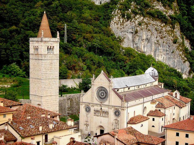Il weekend delle sagre si festeggia a Gemona e a Noci